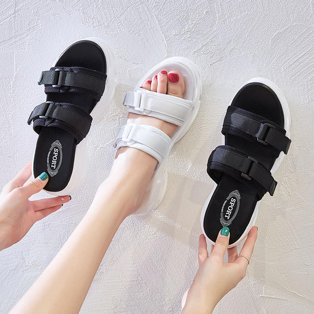 Leather Sandals Women's Season New Fashion Wild Slippers Women's Thick-soled Casual Shoes A Word Women's Shoes 8622